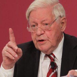 Cựu Thủ tướng Đức Schmidt cảnh báo trước một cuộc chiến tranh mới ở châu Âu
