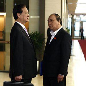 Việt Nam chìm trong nợ công, có thể gây bất ổn xã hội
