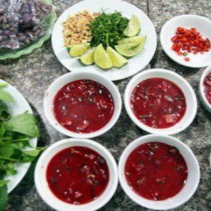 Ngày Tết ăn tiết canh lợn lành cũng dính liên cầu khuẩn, 60-100% đàn lợn tại Việt Nam đang mang mầm bệnh