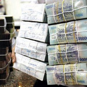 Việt Nam: Ngân sách cạn kiệt vì phải chi trên 800 tỉ đồng trả lãi và nợ gốc mỗi ngày!