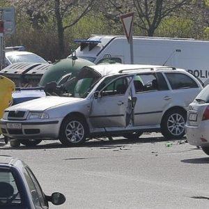 Vụ án đặt bom trong xe nhằm vào một người phụ nữ Việt Nam tại Séc – Thủ phạm chính là chồng nạn nhân.