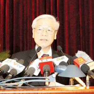 Ai đang ngáng chân Thủ tướng Nguyễn Xuân Phúc?