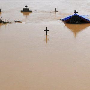 Mỗi hộ dân Quảng Bình phải trữ gạo, nước uống cho 7 ngày để sống!