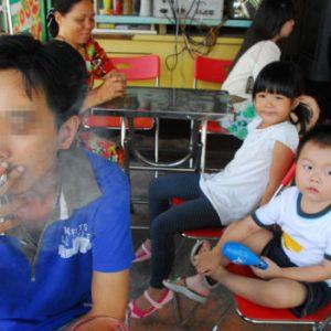 'Tuyên chiến' với khói thuốc trong gia đình