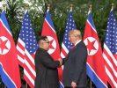 Ông Trump và ông Kim cùng ký thỏa thuận lịch sử