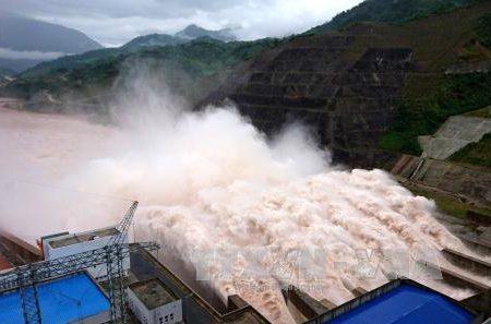 Thủy điện và oan hồn dân Việt