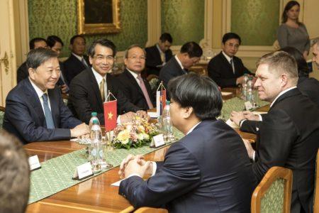 Lê Hồng Quang giữ vai trò gì trong vụ Tô Lâm mượn chuyên cơ của chính phủ Slovakia bắt cóc Trịnh Xuân Thanh đưa về Việt Nam?