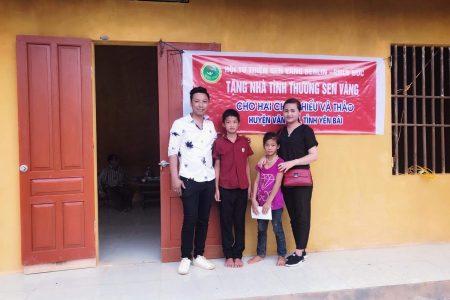 Hội từ thiện Sen Vàng Berlin tặng nhà tình nghĩa cho hai cháu nghèo ở Yên Bái