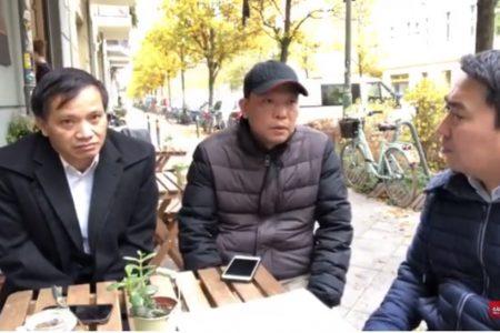 Ls Nguyễn Văn Đài sau khi gặp Quốc hội Đức hôm 9.11.2018 cùng Blogger Người Buôn Gió, nhà báo Trung Khoa