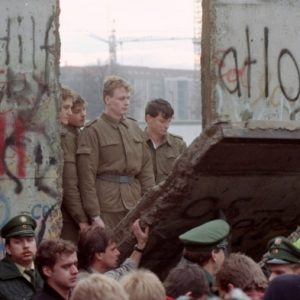 Nhân ngày 9 tháng Mười một: 5 huyền thoại về sự sụp đổ của Bức tường Berlin