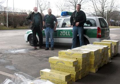 Đức: Nhiều năm tù dành cho người Việt Nam buôn lậu thuốc lá
