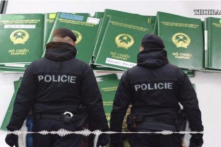 Chính phủ Cộng hòa Séc cảnh báo về tội phạm tham nhũng khi cấp Visa nhập cảnh cho người Việt Nam