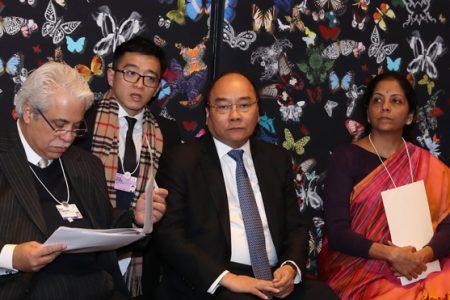 Vì sao tại Davos TT Nguyễn Xuân Phúc không vận động bà TT Đức Merkel ủng hộ EVFTA?
