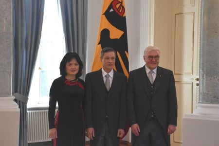 Đại sứ Nguyễn Minh Vũ trình quốc thư lên Tổng thống Đức hôm 08.02.2019 tại Berlin