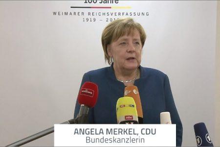 Thủ tướng Đức khích lệ thế hệ trẻ tiếp tục chiến đấu cho nền dân chủ