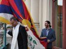 Sau 4 năm gián đoạn, cờ Tây Tạng lại xuất hiện trên nóc Tòa Thị chính Praha, Cộng hòa Séc