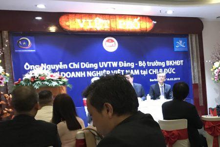 Phải chăng Đại sứ Nguyễn Minh Vũ đang thao túng các hội đoàn của người Việt tại Đức?