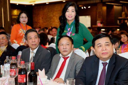 Innerhalb von zwei Tagen in drei Restaurants: Rekord des vietnamesischen Planungsministers Nguyễn Chí Dũng bei seinem Arbeitsbesuch in Deutschland
