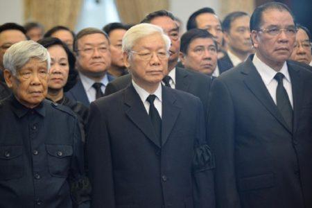 Lễ tang Lê Đức Anh bị trì hoãn vì không biết Nguyễn Phú Trọng có thể đứng ra làm Trưởng ban Tang lễ hay không?