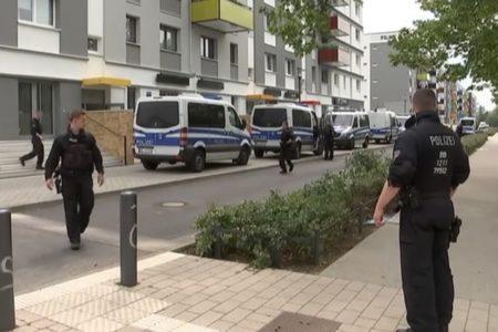Bé gái người Việt 6 tuổi tại thành phố Potsdam (Đức) bị bắt cóc, và xâm hại tình dục nghiêm trọng