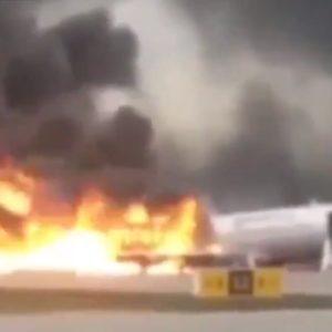 41 người chết khi máy bay bị bốc cháy tại sân bay ở thủ đô Moscow