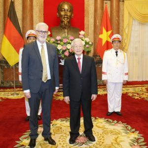 Nguyễn Phú Trọng đột ngột xuất hiện – vẫn lờ đi tranh chấp Biển Đông!
