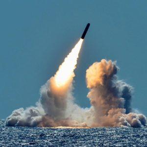 Đặt tên lửa hạt nhân ở Châu Á – Tổng thống Trump quyết tiêu diệt CNXH?