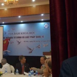 Trung ương họp, Nguyễn Phú Trọng thò Biển Đông – Bãi Tư Chính, Các bô lão thêm ấm ức