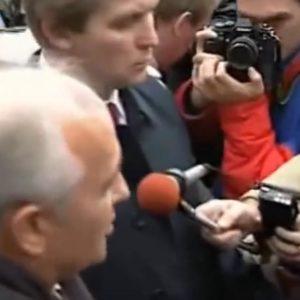 """Gorbatschow:  """"Ai đến quá muộn, người đó sẽ bị cuộc đời trừng phạt"""""""