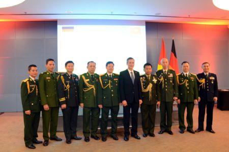 Đại sứ quán Việt Nam tại Đức kỷ niệm trọng thể 75 năm Ngày thành lập quân đội