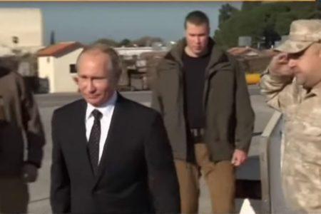 """Putin bất ngờ """"cưỡi"""" Su-35 bay tới Syria chỉ vài giờ trước khi Iran phóng 10 quả tên lửa"""