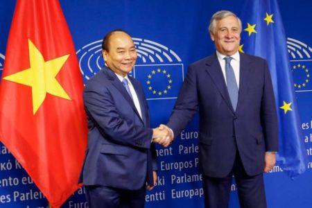 """Vụ Đồng Tâm: Chính phủ Thủ tướng Nguyễn Xuân Phúc bị Châu Âu """"tra hỏi"""""""