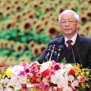 """Nguyễn Phú Trọng """"quay cuồng"""" trước trào lưu bỏ đảng sau 90 năm tồn tại vô nghĩa"""