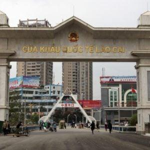 """Biên giới Trung quốc không thể đóng – Việt nam mở đường cho """" tử thần"""""""