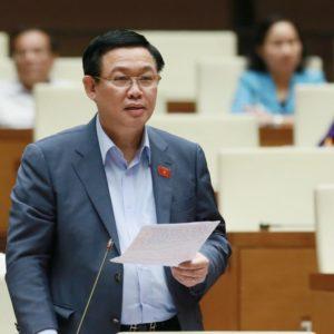 """Bỏ giáo điều, Vương Đình Huệ có dám """"trái ý"""" TBT Nguyễn Phú Trọng?"""