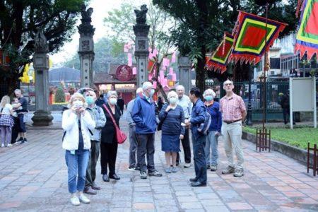 """Du lịch Hà Nội """"đột quỵ"""" vì món quà từ Trung quốc"""