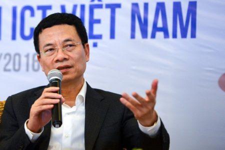 """Bộ trưởng Hùng """"hả hê"""" – Facebook xóa triệu tài khoản mỗi ngày"""