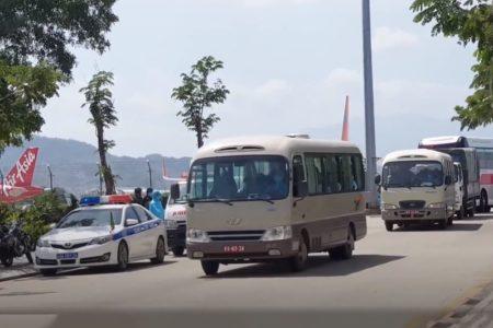 """""""Bị nhốt"""" khi đến Việt Nam – du khách sững sờ"""