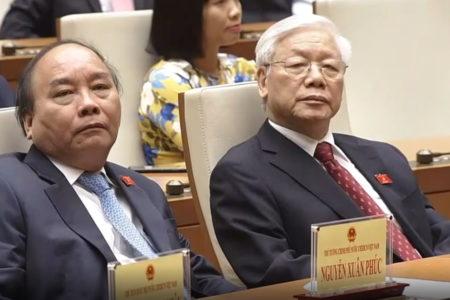 """Bộ Chính trị """"bất an"""" – Đại họa Vũ Hán tràn về Ba Đình"""