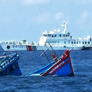 China reports more than 300 Vietnamese fishing vessels invading its waters