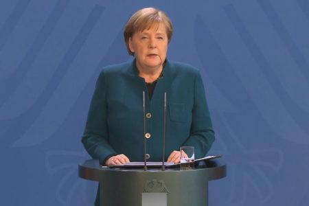 Thủ tướng Đức Angela Merkel tự cách ly tại nhà riêng