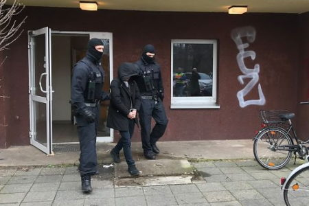 """Trên 700 cảnh sát Liên bang Đức mở chiến dịch truy quét các băng đảng Việt Nam """"buôn người"""""""