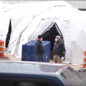 """Mỹ: New York, các lò thiêu hoạt động hết công suất – 45 xe đông lạnh chuẩn bị """"chứa xác người"""""""