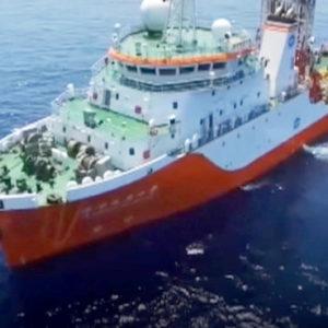 Tung virus, đuổi tàu Mỹ – Trung Quốc xâm nhập biển Việt Nam