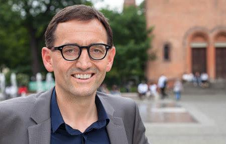 Chuyện lạ có thật: Một chính trị gia Đức cố ý để bị nhiễm virus Vũ Hán