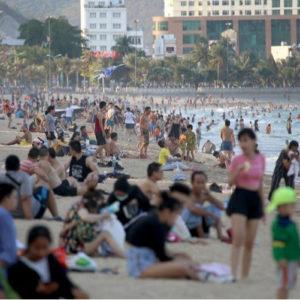 Cúm Vũ Hán: Việt Nam vẫn nửa vời với lệnh cách ly xã hội?