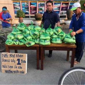 Dịch Cúm Vũ Hán ở Việt Nam: dân tự lo chén cơm – quan xây tiếp biệt phủ