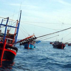 China sinks Vietnamese fishing vessel – Prime Minister Nguyen Xuan Phuc still keep his mouth shut