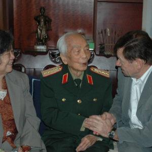 Việt Nam: Chế độ mafia chính trị kết hợp kinh tế