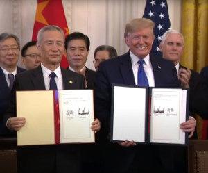 """Mỹ và Trung Quốc lao vào """"Chiến tranh lạnh"""" vì cúm Vũ Hán"""